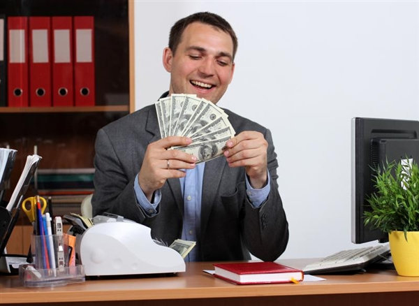 В Петербурге финансовым директорам могут предложить зарплату свыше 150 тысяч рублей